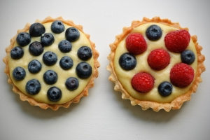 Fruit tart with crème patisserie
